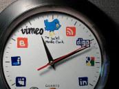 Comment trouver le bon moment pour poster sur les réseaux sociaux