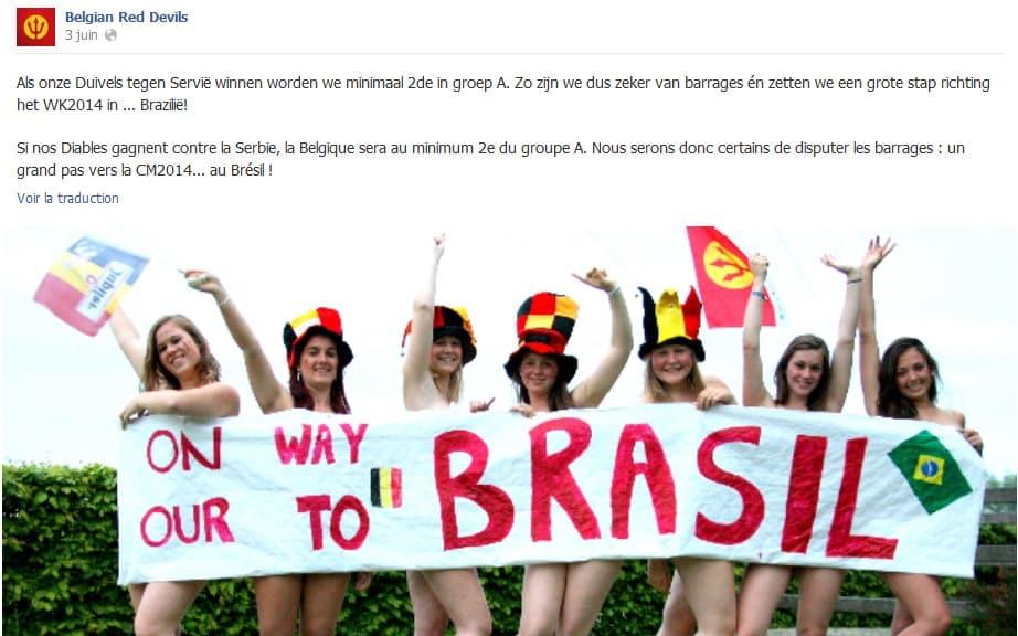 7 supportrices posant nues avec une banderole pour les cacher